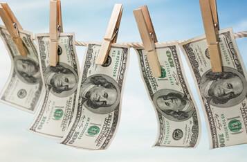 为什么受监管的银行比比特币和加密货币更容易发生金融犯罪?