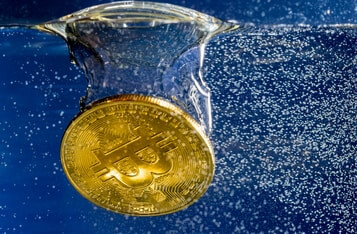 Why Bitcoin Crashed by $3000 and Is Currently Undergoing a Sharp Price Correction