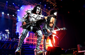 Kiss' Gene Simmons and Winklevoss Discuss Bitcoin and Crypto for the Unbanked