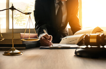NAC基金会指控SEC在AML比特币案中误导法院,创始人或面临40年监禁和罚款。