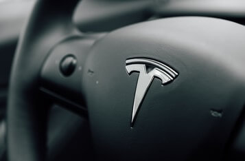 Tesla's Biggest Drop Indicates a Stock Market Downtrend—Implications for the Bitcoin and Crypto Market